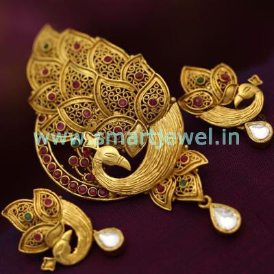 antique-gold-plated-ruby-emerald-jadau-kundan-peacock-design-pendant-earrings-set