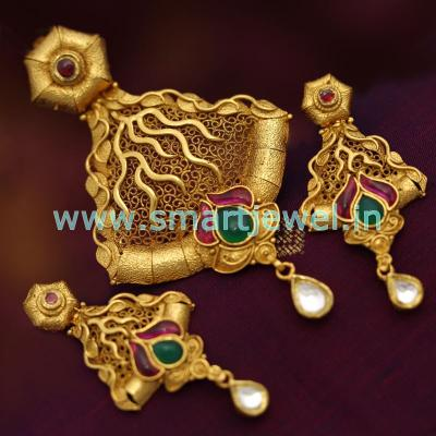 antique-gold-plated-ruby-emerald-jadau-kundan-gold-design-pendant-earrings-set